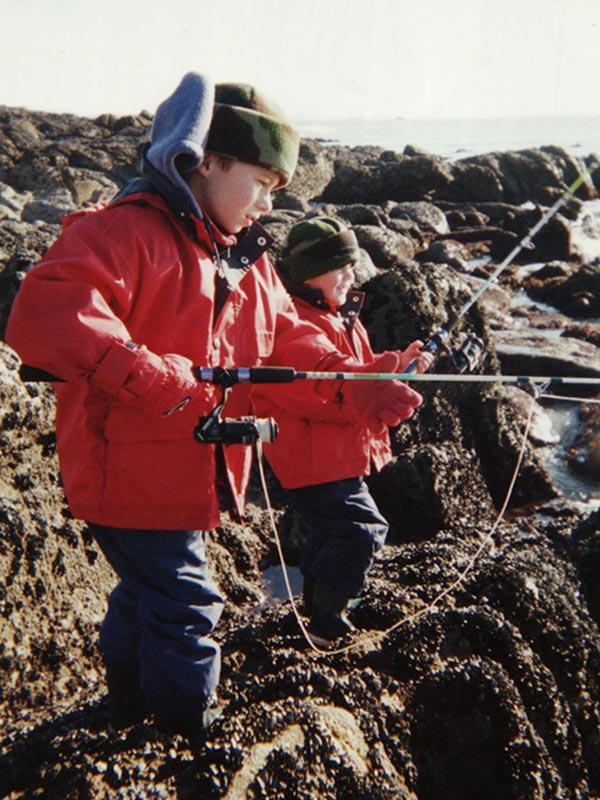 TOM & NELS Cloarec enfants à la pêche